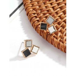 Earring in three squares with a luxurious golden frame, in consistent colors, 1 pair